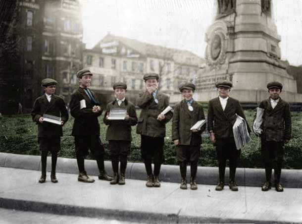 newspaper-boys-dc-sell-gum-colorized